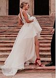 Fashionable Lace & Organza V-neck Neckline A-line Wedding Dresses With Beadings