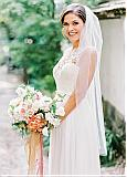 Modest Tulle Short Wedding Veil With Comb